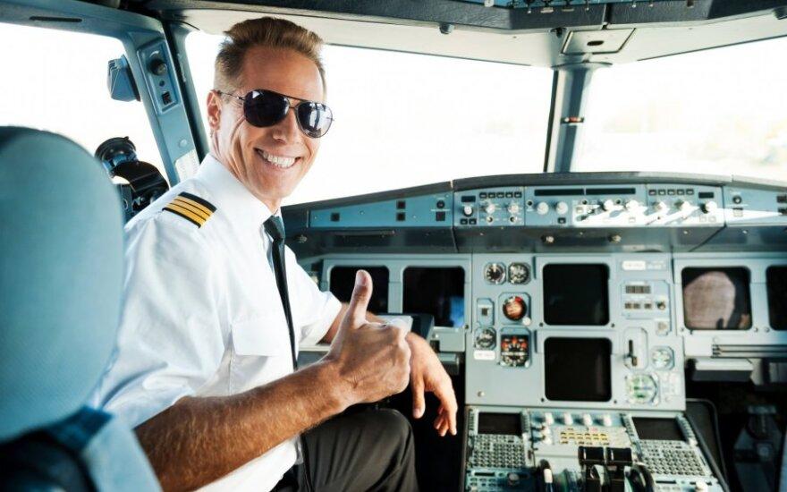 Aviacijos keistenybės: koks skrydis trunka vos dvi minutes, o kuriame oro uoste visi pilotai tyliai keikiasi