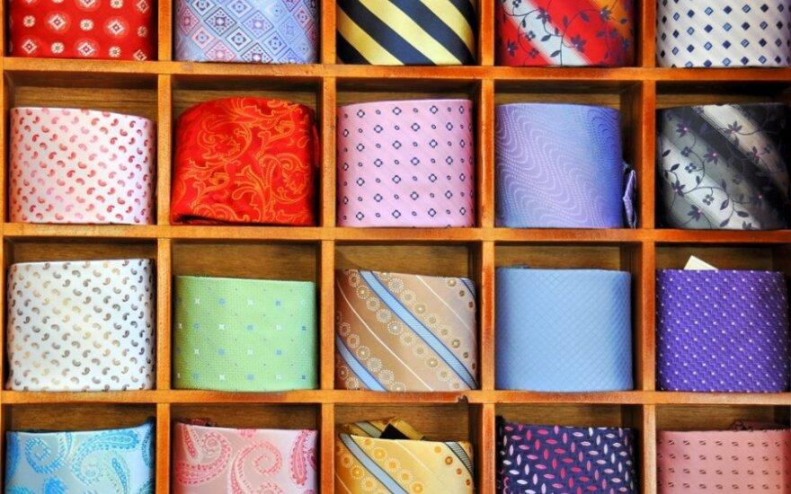 Sostinės savivaldybėje - kalėdinių kaklaraiščių paroda