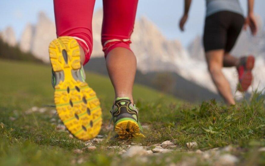 Traumos ir pervargimas bėgimo metu: <em>bėgiko kelis</em>