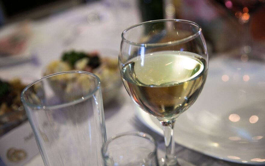 VMI: alkoholio akcizų pajamos šiemet augo 43 proc.