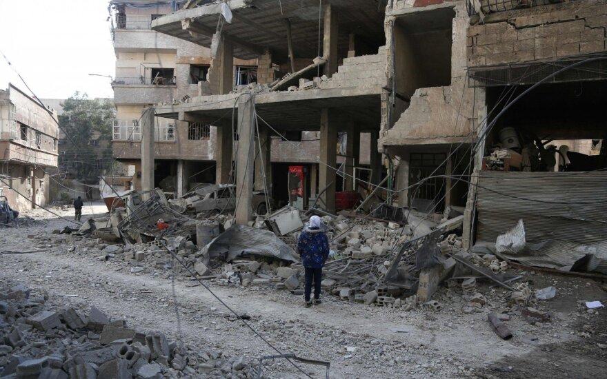 Sirijos sukilėliams traukiantis, režimas beveik susigrąžino Rytų Gutos kontrolę