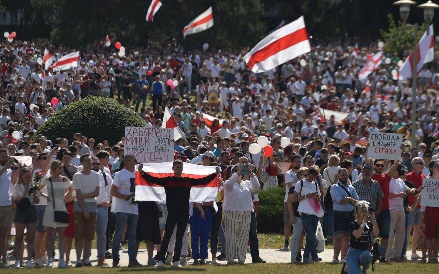 Masiniai protestai visoje Baltarusijoje