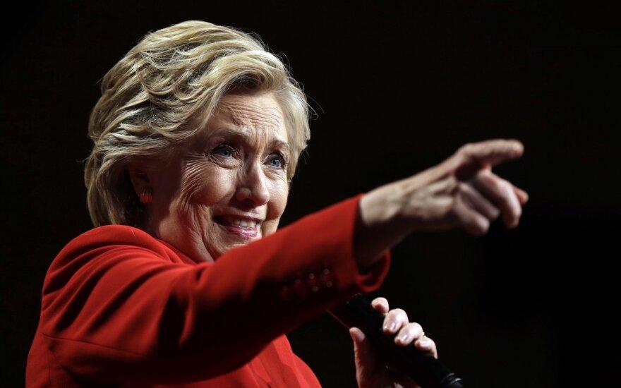 CNN apklausa: H. Clinton pirmauja prieš D. Trumpą