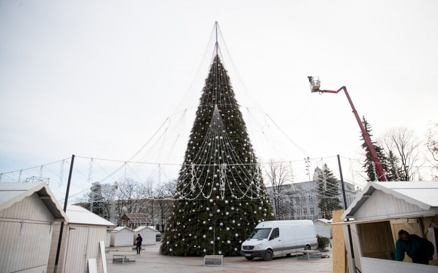 Christmas Tree to be lit in Cathedral Square in Vilnius
