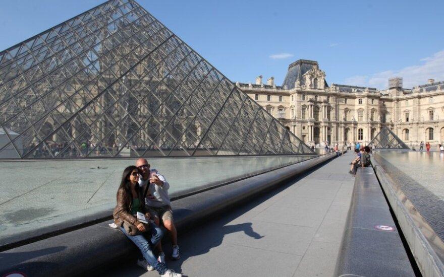 Luvro muziejus Paryžiuje