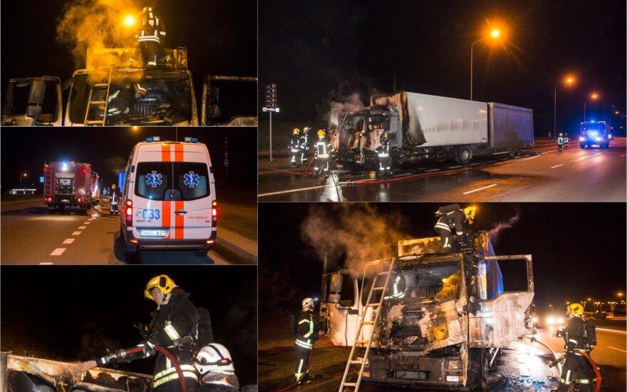Iš degančio sunkvežimio išsigelbėjęs vairuotojas: viskas įvyko akimirksniu