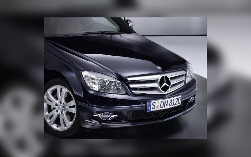 """""""Daimler AG"""" tikisi sėkmingų metų"""