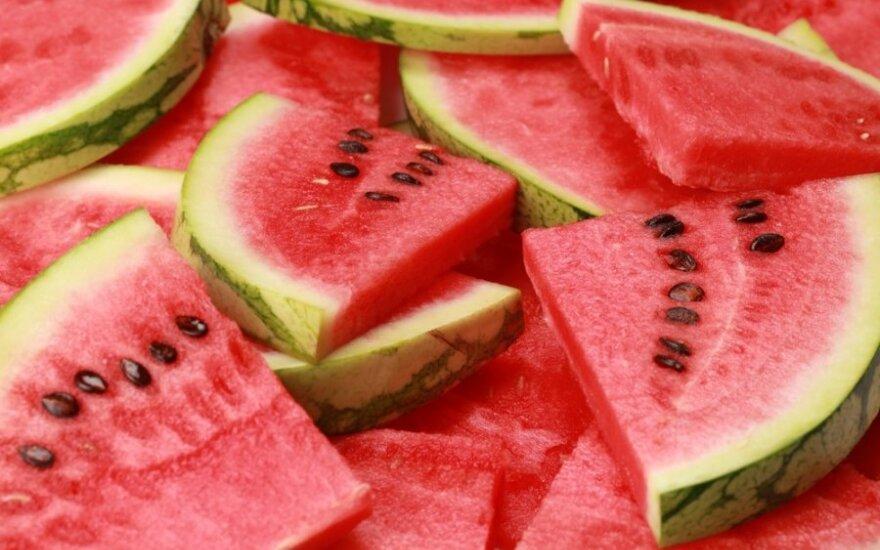 Ką rekomenduojama valgyti karščių metu