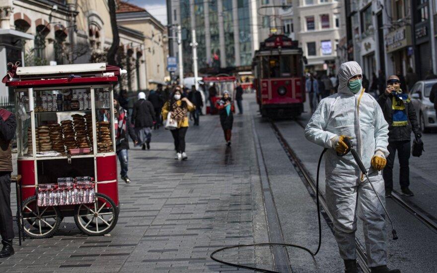 Turkijoje patvirtintų koronaviruso atvejų skaičius artėja prie 80 tūkst.