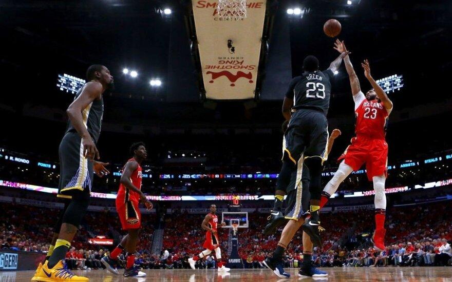 """""""Pelicans"""" su Davisu sutriuškino NBA čempionus ir atgaivino pusfinalio seriją"""