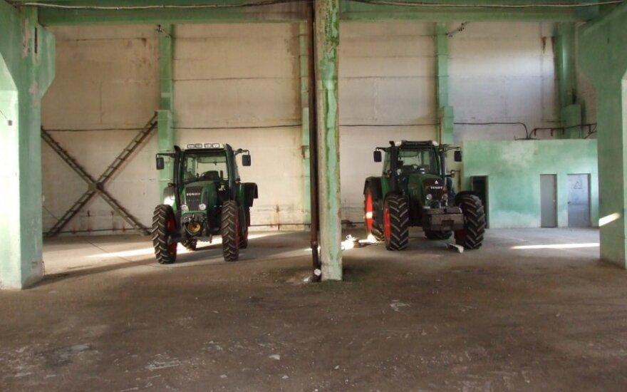Prie pavogtų traktorių buvo prijungta ryšio blokavimo aparatūra