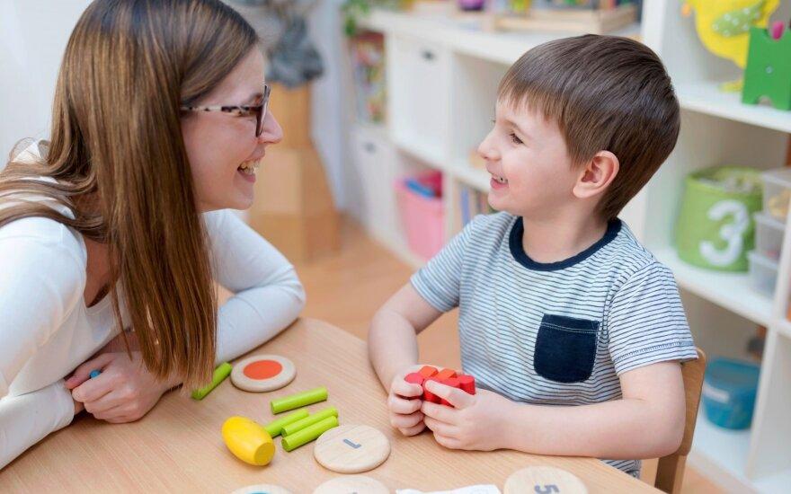 Vaiko kalbos raida: 5 ženklai, kad mažyliui reikia specialistų pagalbos
