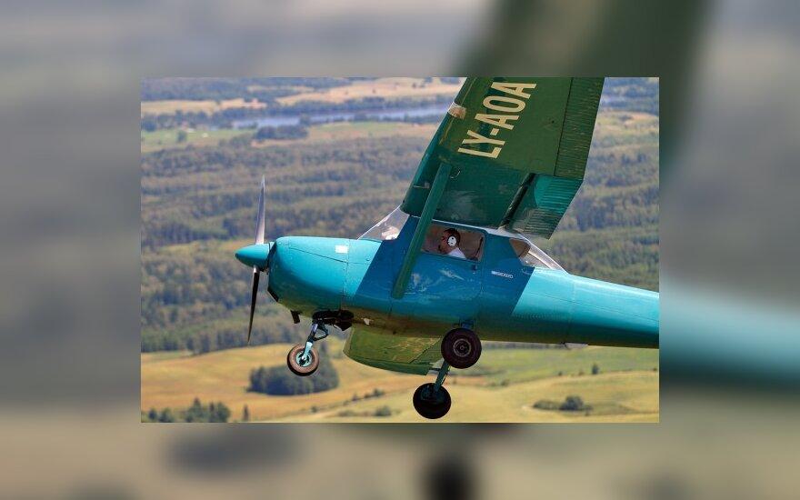 Cessna 150G (reg. LY-AOA) virš Lenkijos