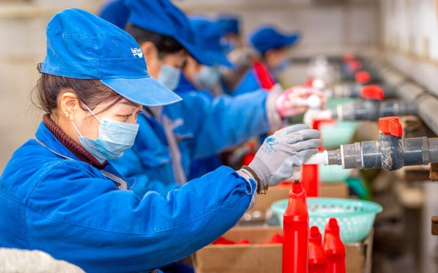Žiniasklaida: sukurti skiepai nuo pasaulį šiurpinančio koronaviruso