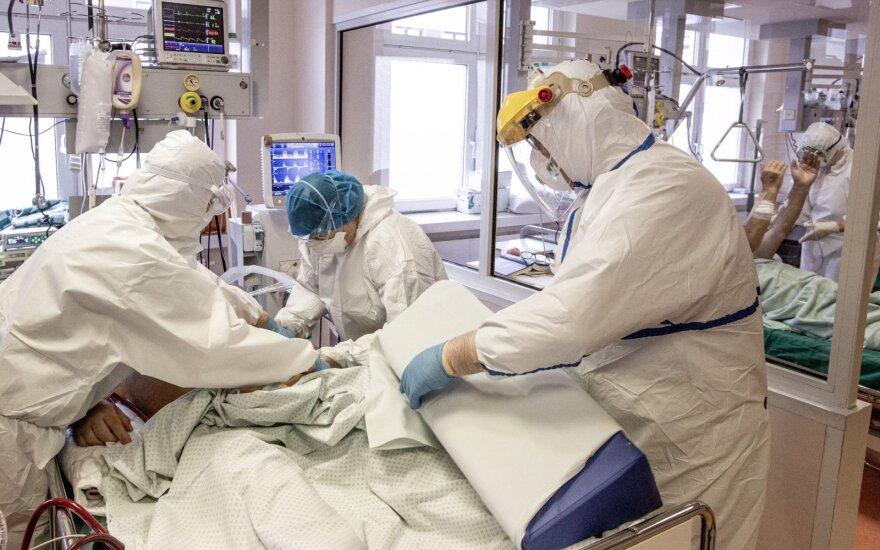 Preliminarūs duomenys: koronavirusu per parą užsikrėtė dar daugiau nei 2 tūkst. žmonių, mirė – 11