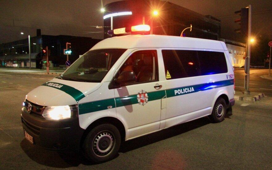 Prie namo Alytuje rastas sužalotas mažametis: vaikas, įtariama, iškrito pro langą