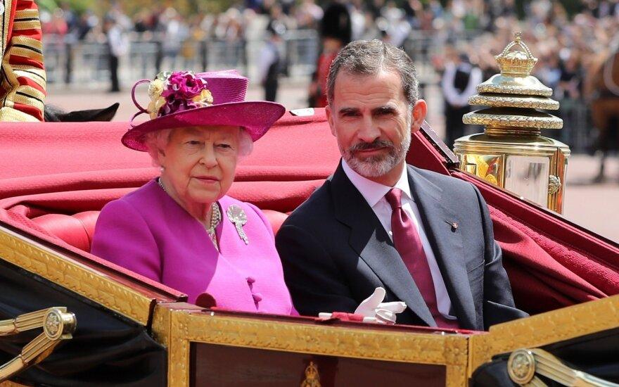 """Tvyrant įtampai dėl """"Brexit"""" Ispanijos karališkoji pora atvyko į D. Britaniją"""
