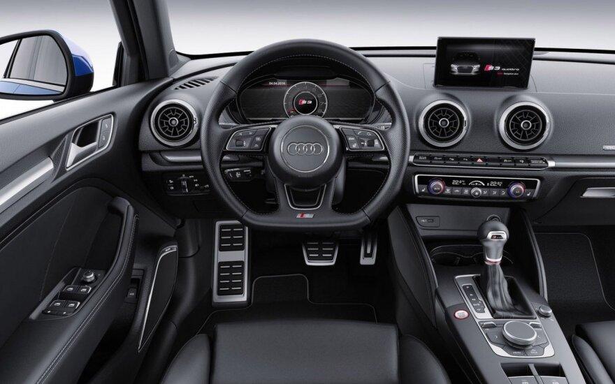 """""""Audi"""" pavertė automobilį išmaniuoju telefonu"""