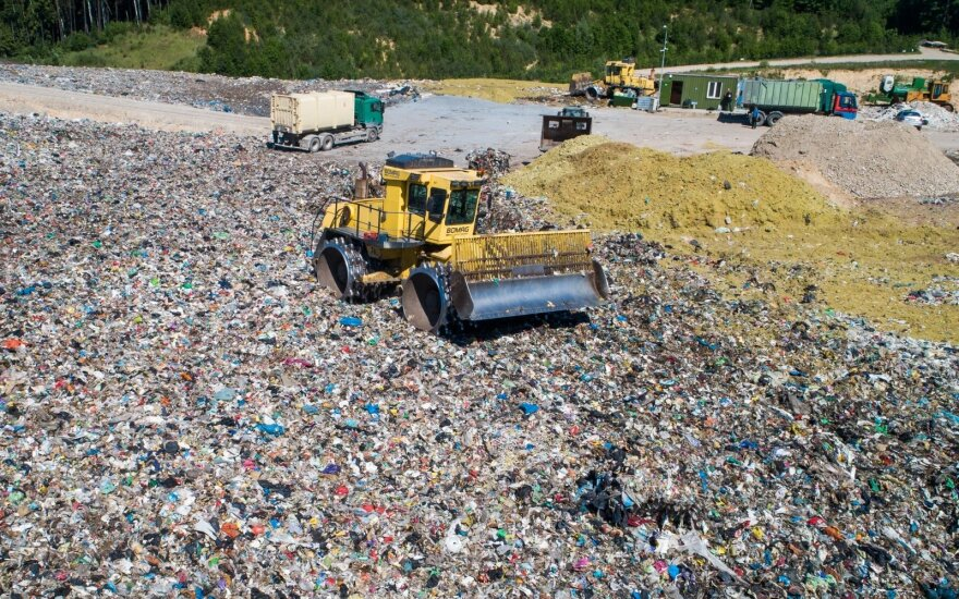 Seimas – nenori didinti mokesčio už aplinkos teršimą gabenant atliekas