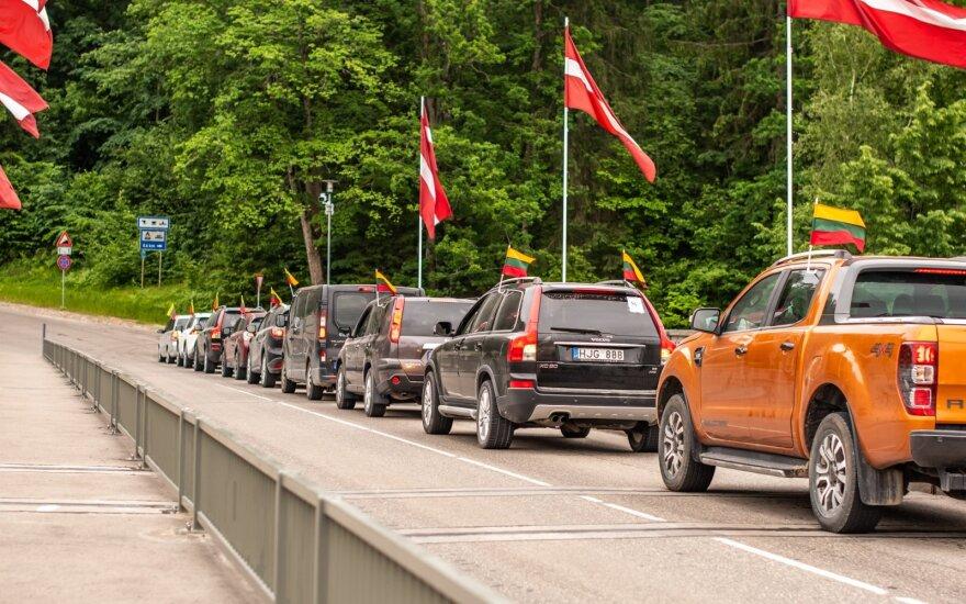 Šeimų karavanas po Latviją