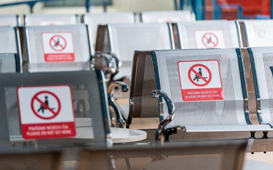 Vilniaus oro uoste atnaujinami keleiviniai skrydžiai: paskelbė, kokių saugumo priemonių imsis