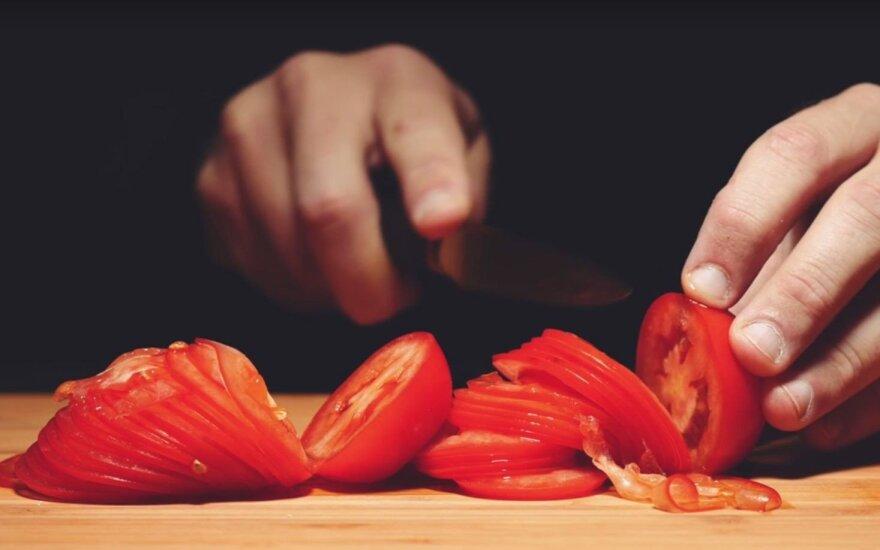 Pomidorų pjaustymas