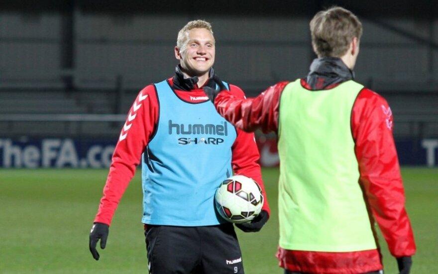 Lietuvos futbolo rinktinės pirma diena Anglijoje