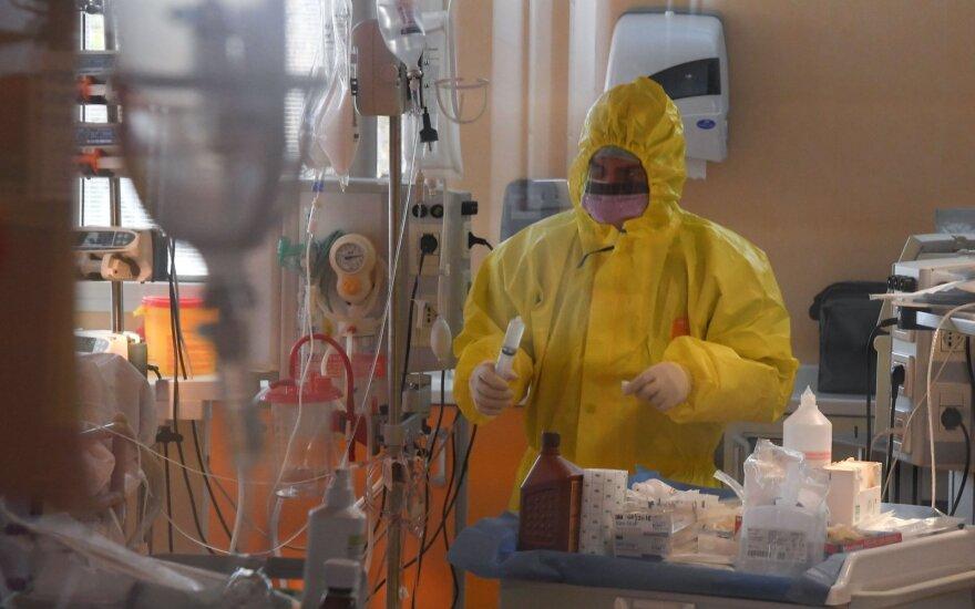 Europoje koronavirusas nusinešė daugiau nei 50 tūkst. gyvybių