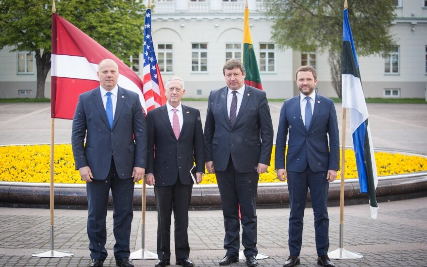 US Defense Secretary James Mattis with his Baltic counterparts in Vilnius