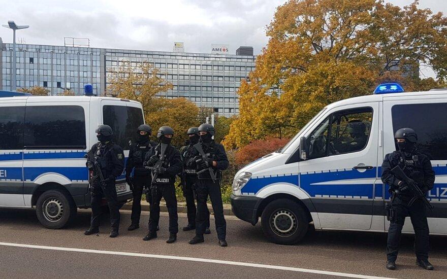 Po šaudynių Vokietijoje – didžiulė pareigūnų operacija: užtvertas visas rajonas, uždaryta stotis