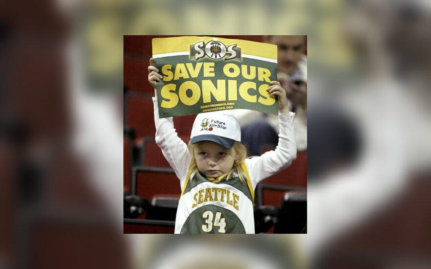 """Mažoji """"SuperSonics"""" aistruolė prašo neiškelti jos palaikomos komandos iš Sietlo į Oklahomą"""