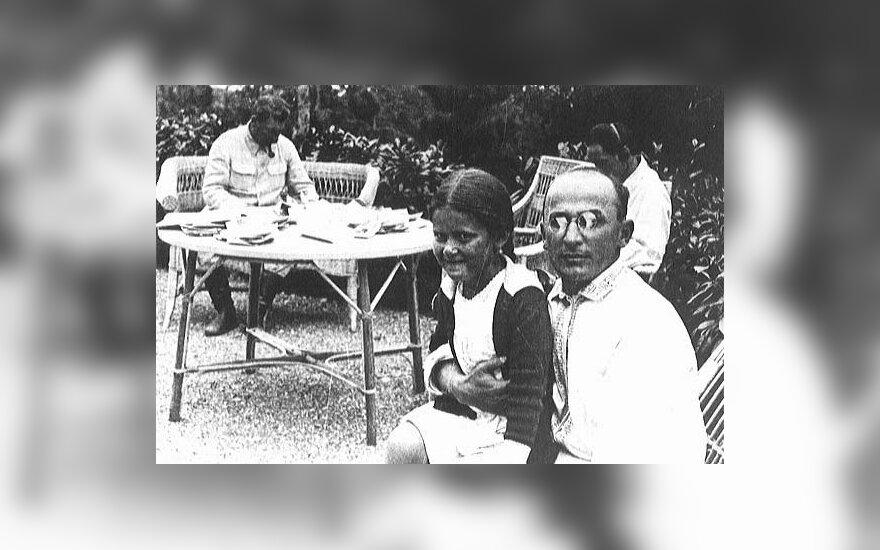 Lavrentijus Berija su Josifo Stalino dukra