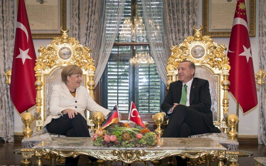 Putinas su Merkel ir Erdoganu aptarė galimybes išsaugoti Irano branduolinį susitarimą