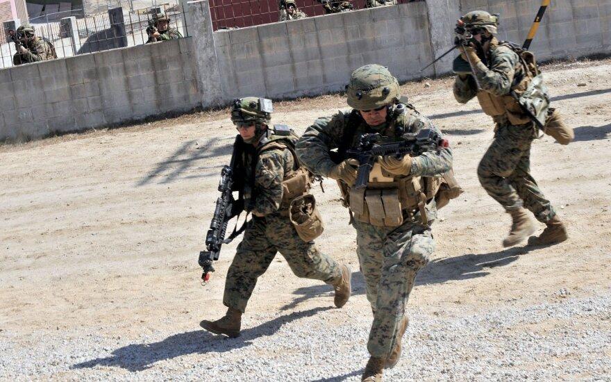 Naujas JAV planas: ginkluotosiose pajėgose – tūkstančiai papildomų karių