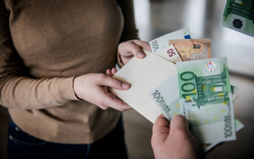 Corruption scale in Lithuania shows no improvement – EY survey