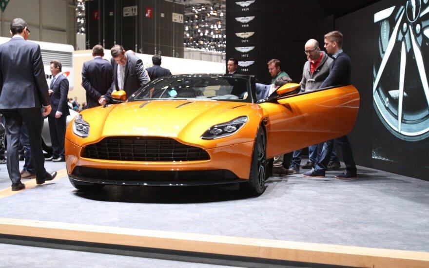"""Aston Martin DB11"""
