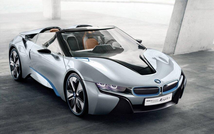 """BMW i8 Spyder"" koncepcija"
