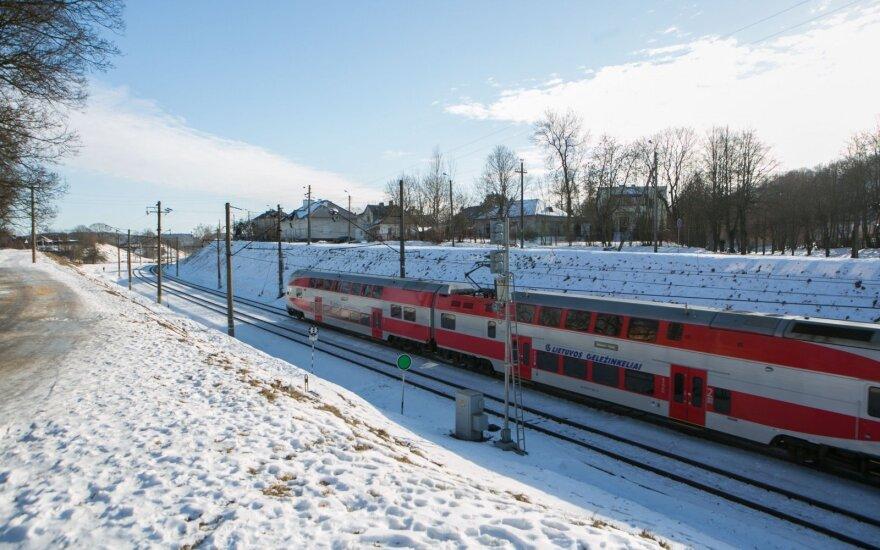 """""""Rail Baltica"""" keleiviniai traukiniai galės važiuoti iki 240 km/h greičiu"""