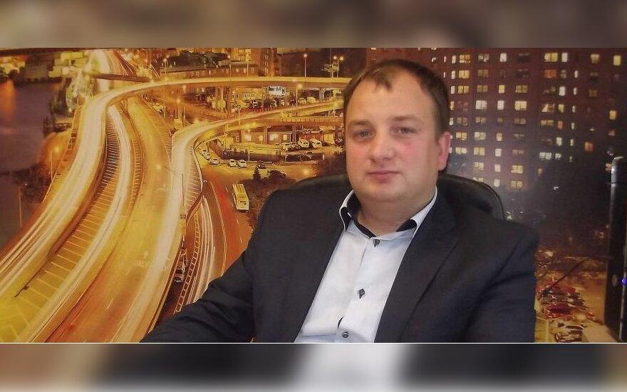 Vietos politikas Kęstutis Komskis tvirtina, kad ne jis nori pakeisti Žukų bendruomenės pirmininkę.