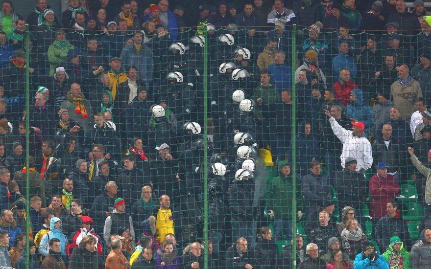 Lietuvos ir Anglijos futbolo rinktinių fanai