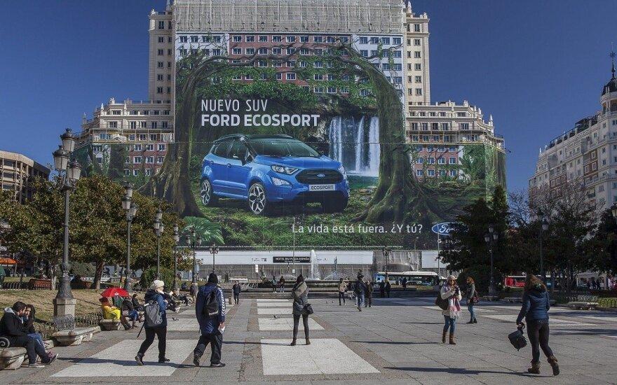 """Ford"" iškabino rekordinę reklamą"