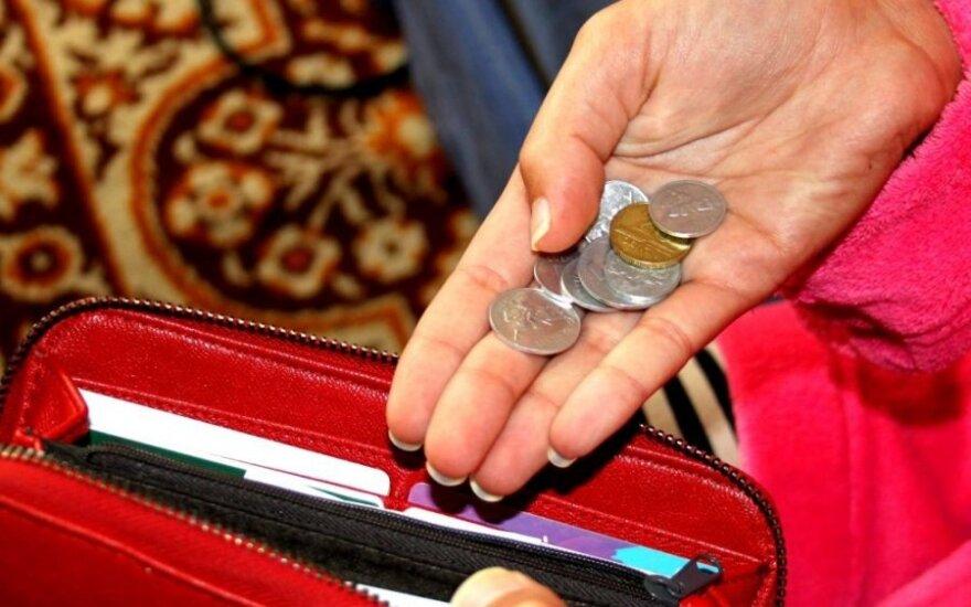 Ką daryti, kad mėnesio pabaigoje piniginėje neliktų vien centai?