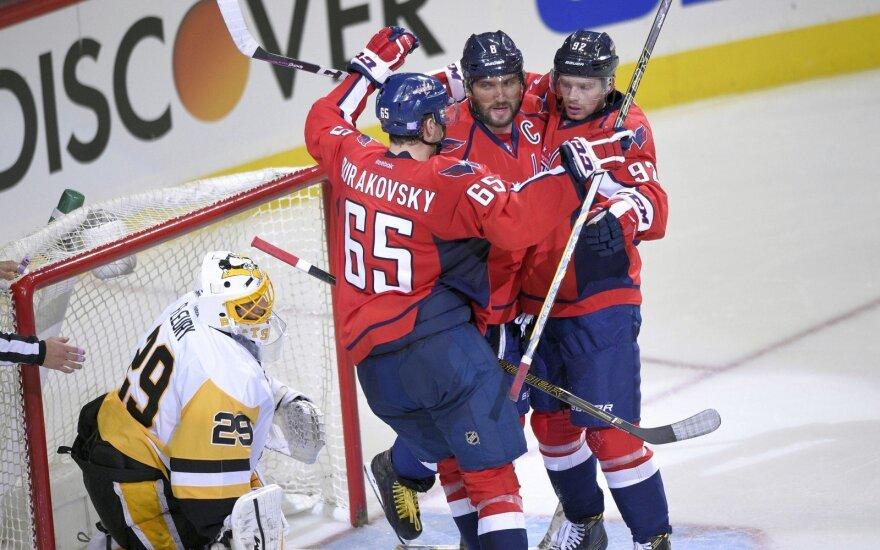 """""""Capitals"""" su A. Ovečkinu sutriuškino NHL čempionus"""