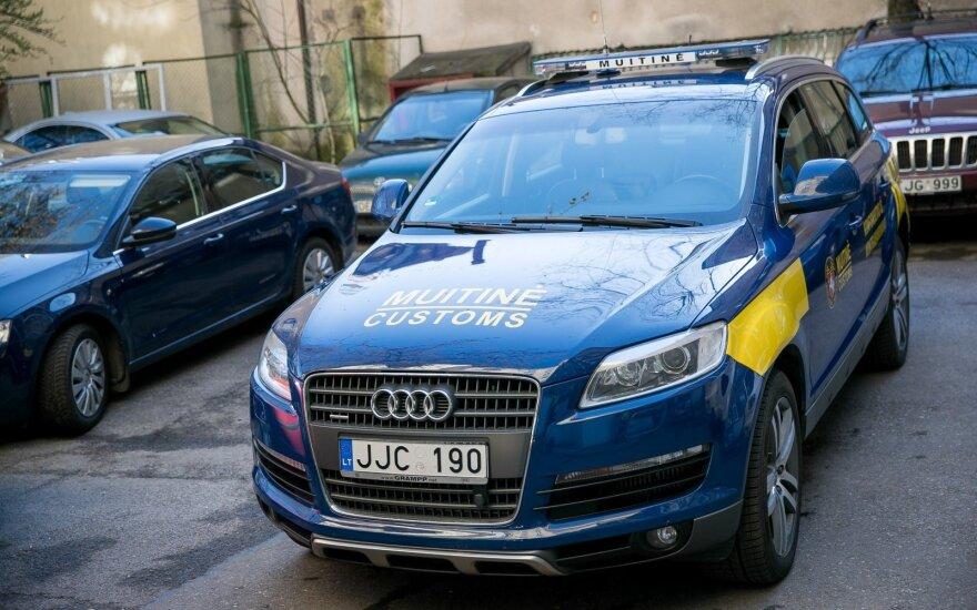 """Muitinininkai naudos iš kontrabandininko konfiskuotą """"Audi Q7"""""""