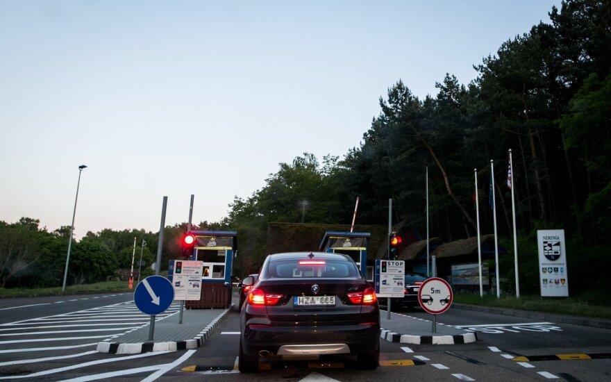 Pabrangęs įvažiavimas į Neringą dar ne pabaiga: meras svarsto didinti mokesčius poilsiautojams