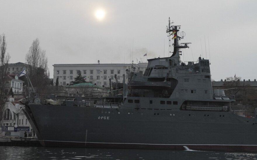 Žiniasklaida: Sirijos link plaukia karinės technikos pilnas Rusijos laivas
