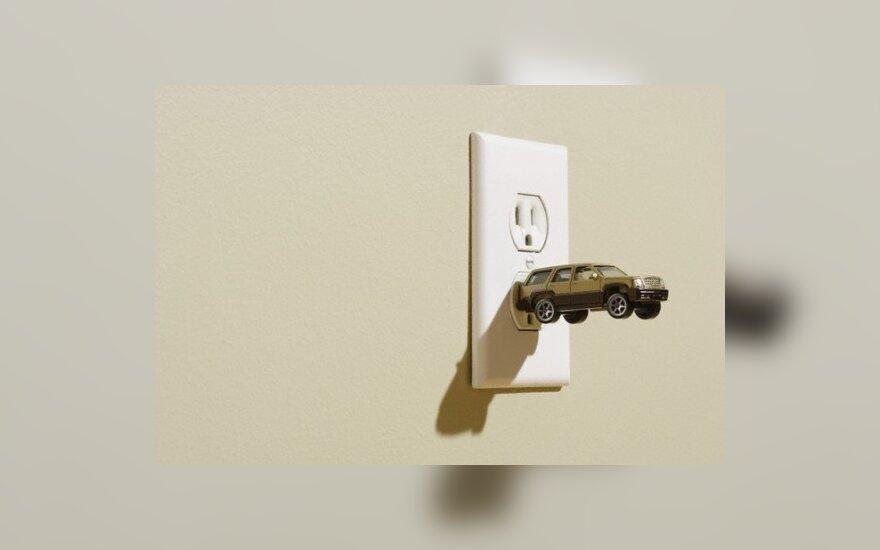 """Elektrinis varikliukas """"pasisotina"""" už centus"""