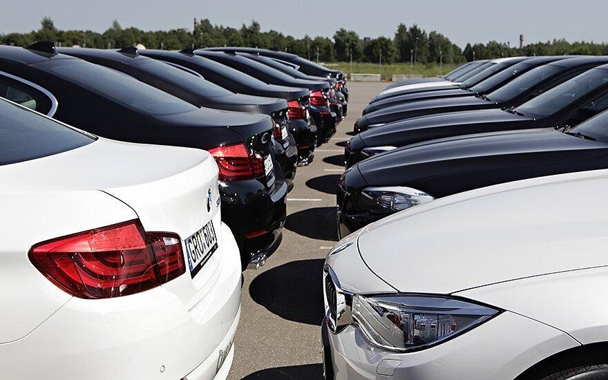 Paaiškino, kaip karantinas iškreipė automobilių rinką: naujus modelius siūlo beveik už savikainą