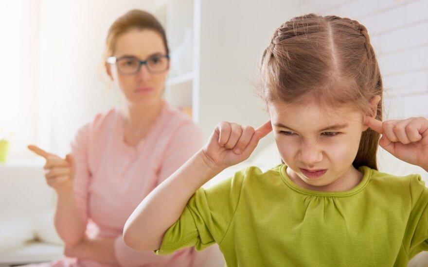 Kaip susitvarkyti su emocijomis sudėtingose situacijose ir tapti geresniais tėvais