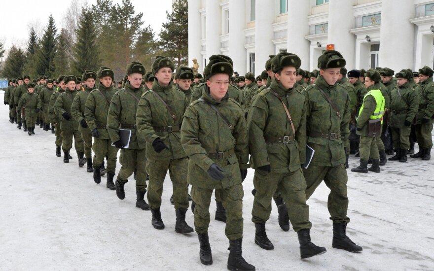 Феминистки провели акцию против милитаризма в России
